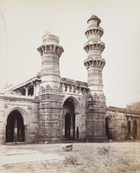 Central portion of the façade of the Bibiji Mosque at Rajapur Hirpur, Ahmadabad